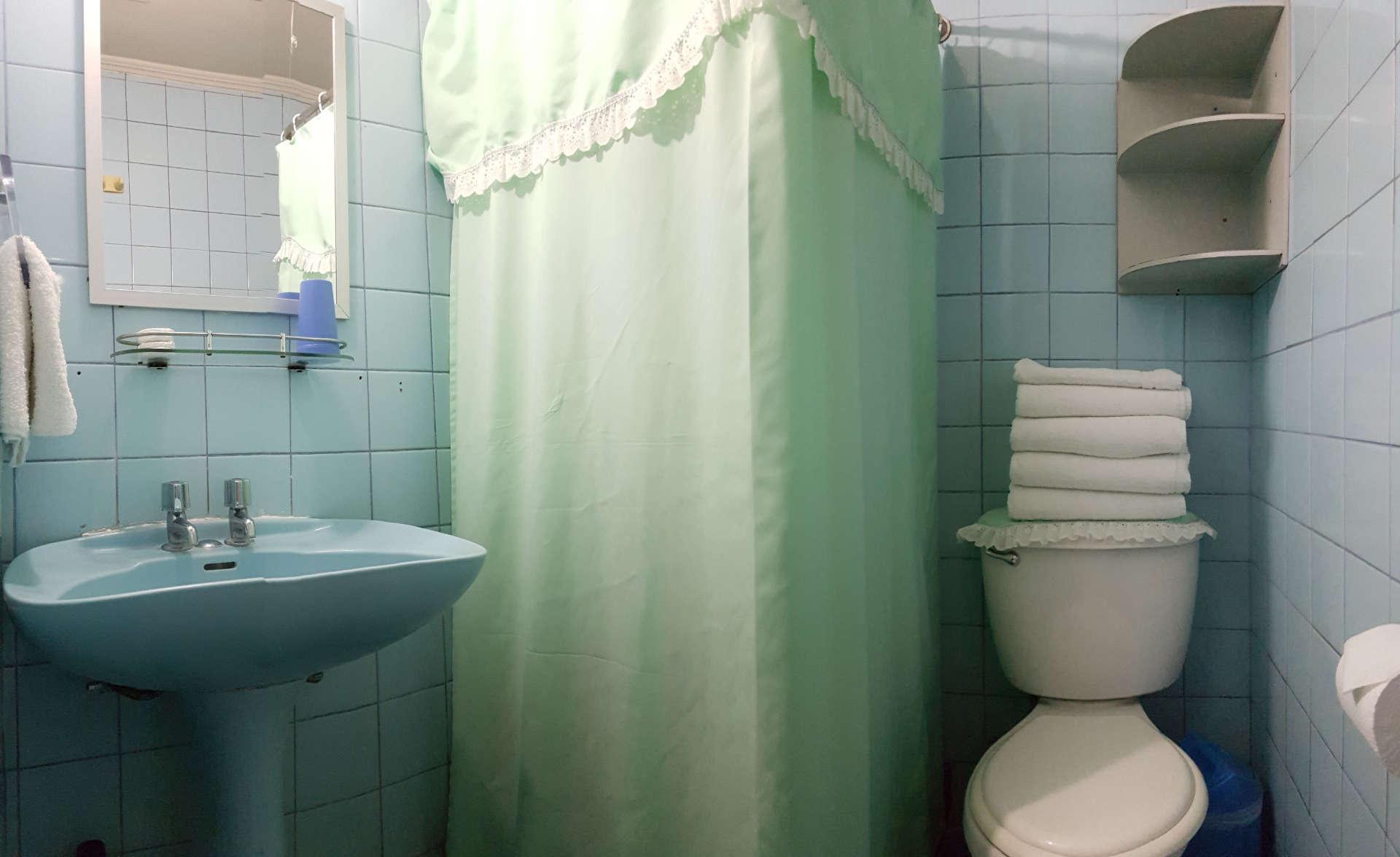 Doble Matrimonial baño