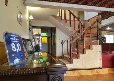 Hall entrada escalera