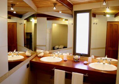 Bathh room Sextuple 01