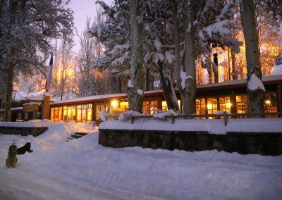 FRENTE Entrada Hotel Nieve nocturno
